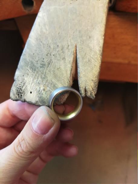 Bicolor Ring bombiert
