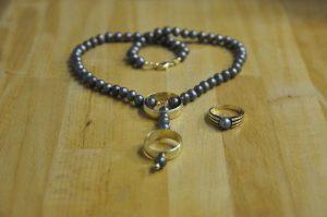Perl-Collier mit den Ringen, passend zu einem vorhandenen Perl-Ring