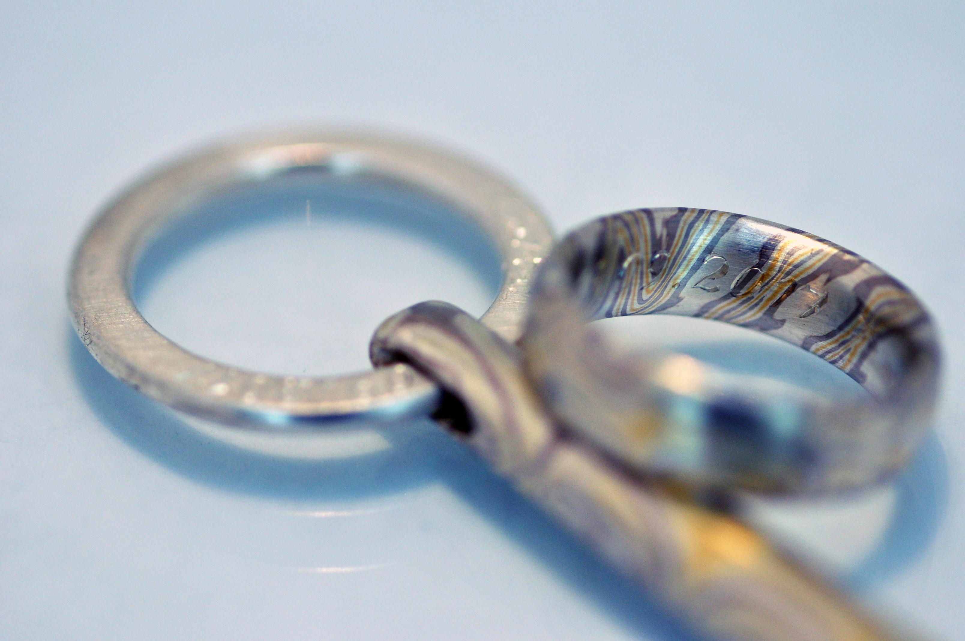 Ring und Schlüssel mit Gravur