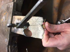 Aufsägen des Ringes