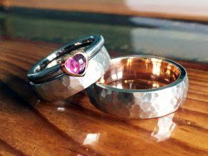 Trauringe Rose- und Weissgold mit Verlobungsring
