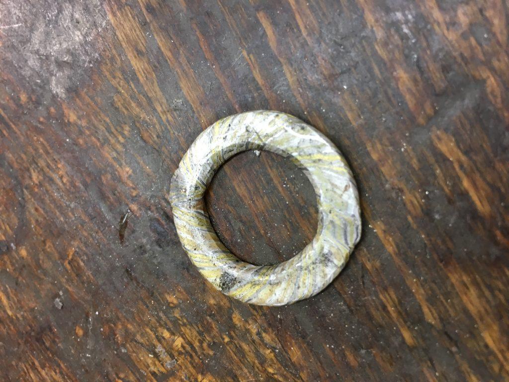 Eher eine Unterlegscheibe als ein Ring, oder?