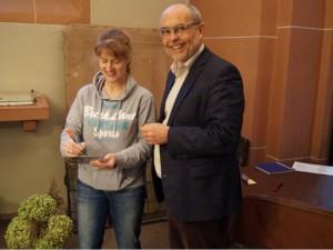 Aussuchen der Gläser mit Dekan Zincke