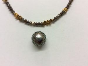 Diamantkette mit facettierter Perle